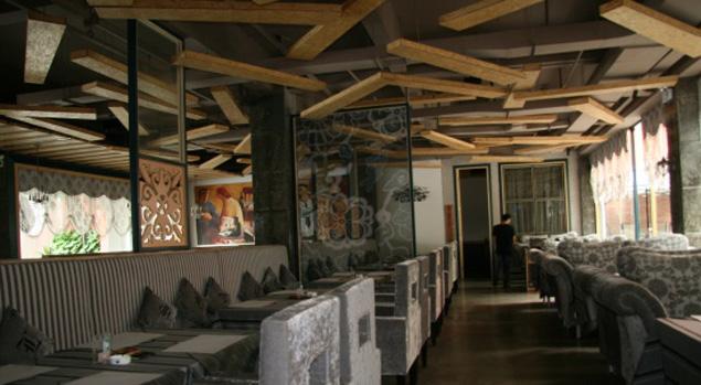 左岸创意西餐厅软装设计案例图片